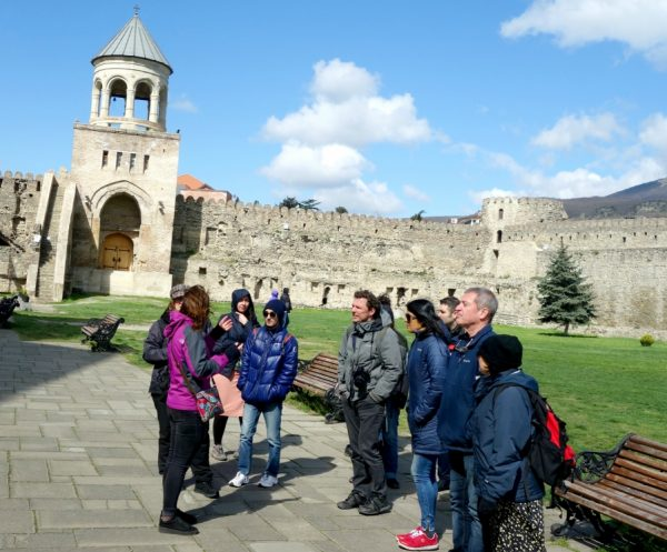 Choosing the right tour company